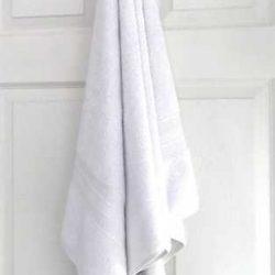 Bath-Sheet-SNAG-FREE-WHITE-hanging-550gsm.jpg