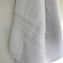 Bath-Towel-SNAG-FREE-close-up-White-550gsm.jpg